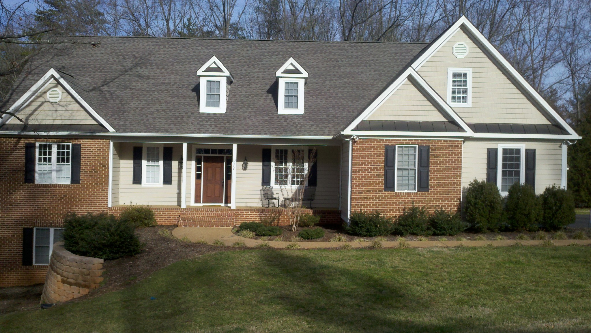 Gallery siding albemarle siding and window for House siding reviews